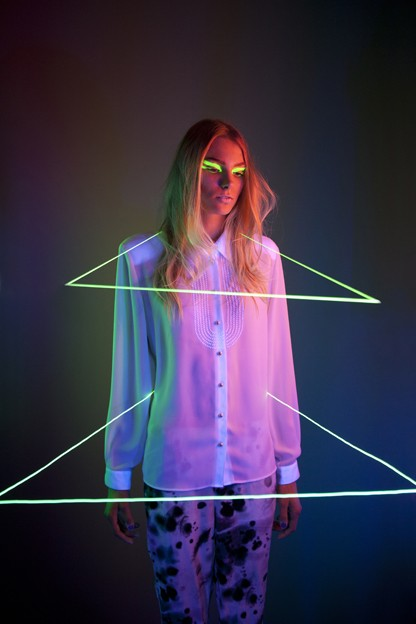 neon make up triangle photograph